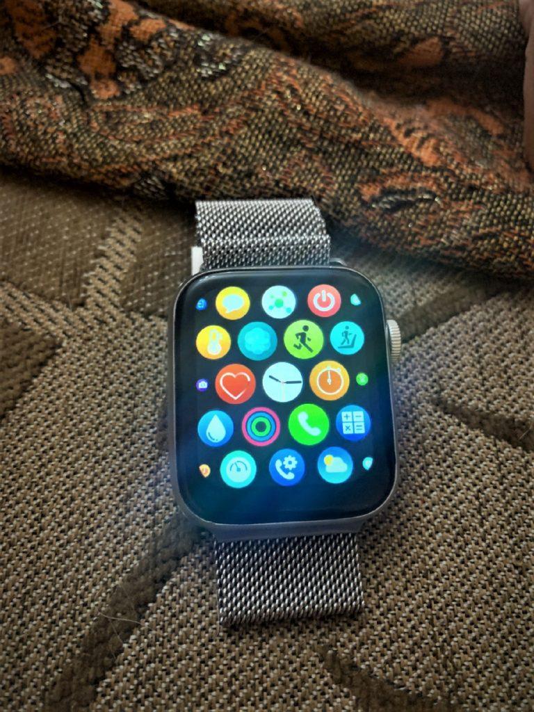 HW22 Smartwatch Review Best Clone Of Apple Watch in 2021 2 / lahorestore.pk
