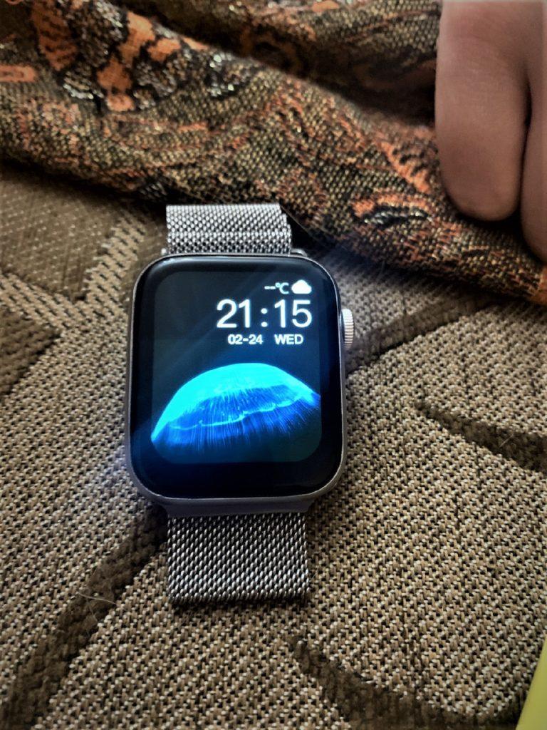 HW22 Smartwatch Review Best Clone Of Apple Watch in 2021 41 / lahorestore.pk